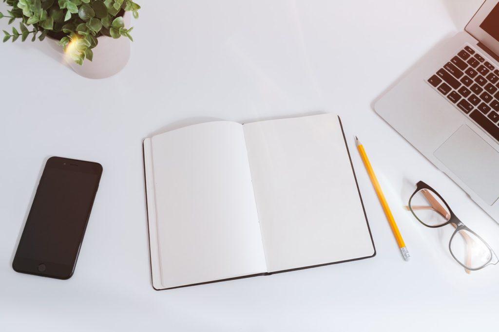 資格スクエアとアガルートの予備試験講座を比較するノート
